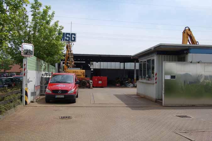 Zufahrt und Anlieferung samstags ausschließlich über das Schrottgelände, In der Rehbach 20.